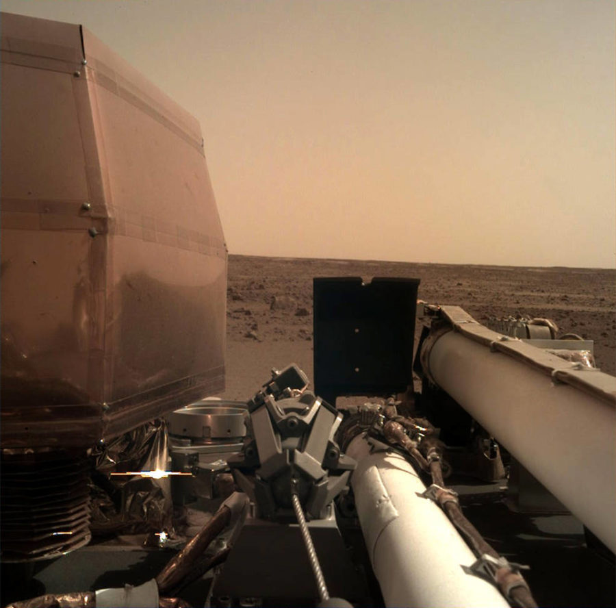Digging+Deep+Into+Mars%3A+InSight+Begins+Its+Mission